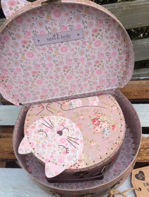 Set Of 2 – Floral Friends – Jessie The Cat Suitcases
